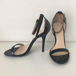 "4"" Black Strappy High Heel Sandals (SIZE 7)"